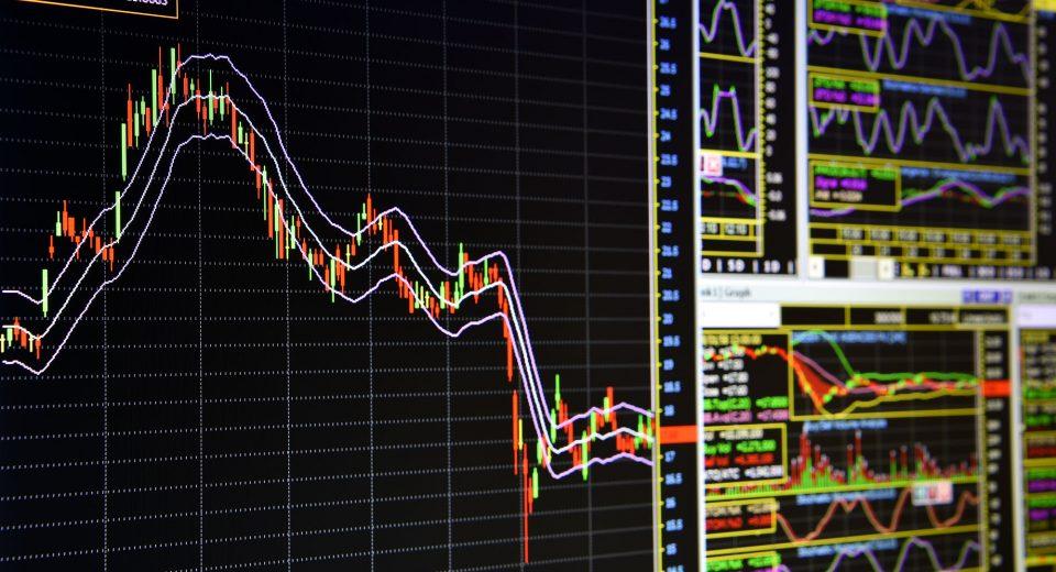 Manage Risk Through Portfolio Diversification